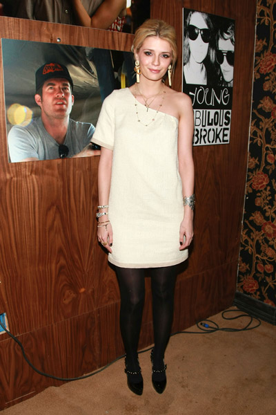 """Actress Mischa Barton attends """"The Assassination of a High School President"""" Dinner and Party at Harry O's on January 21, 2008 in Park City, Utah."""