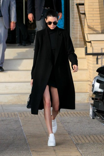 celebrity-athleisure-kendall-jenner-h724-333x500