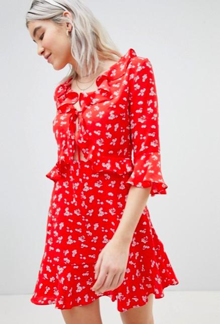 c8ff32bec5db H Φαίη Σκορδά φοράει το ιδανικό φόρεμα για ανοιξιάτικες και ...